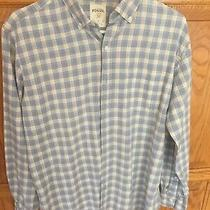 Men's. Medium. Fossil Classic Fit Button Down Long-Sleeved Shirt.  Photo