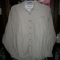 Men's Sharp Beige Columbia Outdoor Sport Shirt Size Small Photo
