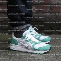 Mens Asics Gel Running Shoes  Photo