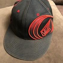 Mens Volcom Hat 210 Fitted 6 7/8-7 1/4 Flat Bill Red Black Photo