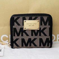 Michael Kors Bifold Wallet Photo