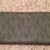 Michael Kors Brown Wallet Photo