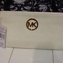 Michael Kors Clutch Photo