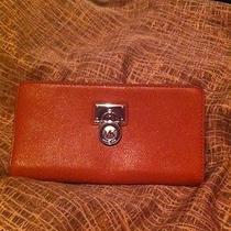 Michael Kors Hamilton Wallet  Photo