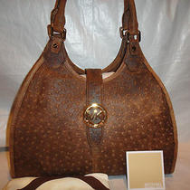 Michael Kors Hudson Mocha Vintage Embossed Ostrich Shoulder Bag/purse 30h2ghue3y Photo