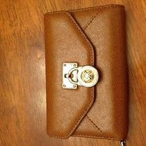 Michael Kors Iphone 4 Wallet Photo
