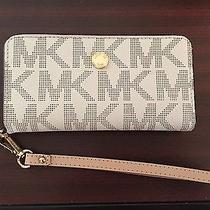 Michael Kors Iphone Wristlet Wallet Photo