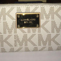 Michael Kors Jet Set Continental Signature Zip Around Wallet Clutch Vanilla New Photo