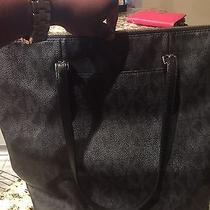 Michael Kors Tote  Photo