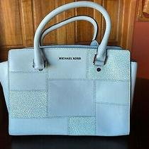 Michael Kors Woman's Leather Handbag Baby Blue Internal Pockets Zipper Top. Photo
