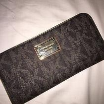 Michael Michael Kors Iphone Zip Around Continental Wallet Photo