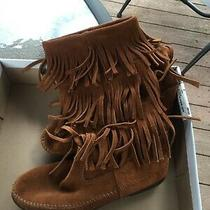 Minnetonka Boots Size 8 Photo
