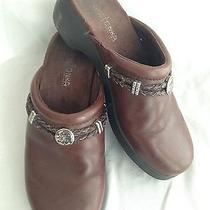 Minnetonka Clogs Mules Slides Brown Leather W/silver Metal Medallions Size 6 Photo