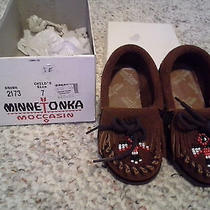 Minnetonka Girls Size 7 Moccasin Never Worn Photo
