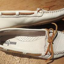 Minnetonka Moccasin 9.5 White Photo