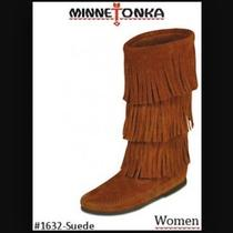 Minnetonka Moccasin Boots Photo