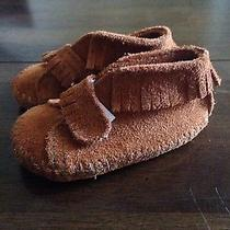 Minnetonka Moccasin Infant Size 2 Photo