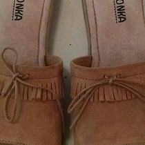 Minnetonka Moccasin Slides Sandals Sz. 8 Beige Leather Uppers Photo