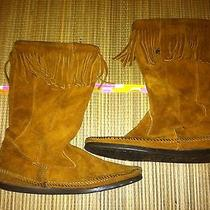 Minnetonka Moccasin Suede Fringe Moccasin Boot Women Size 8   Photo