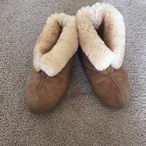 Minnetonka Moccasin Womans Sz 8 Slippers Gently Worn Photo