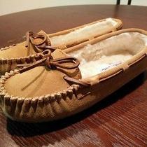 Minnetonka Moccasin Women's Cally Slippers Photo