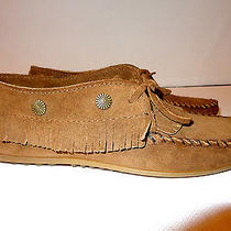 Minnetonka Moccasin Womens Fringed Moccasin 6.5 M Dusty Brown Suede Photo
