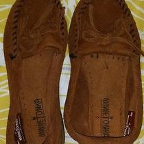 Minnetonka Moccasins Size 6 Photo