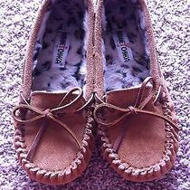 Minnetonka Moccasins Size 7 Photo