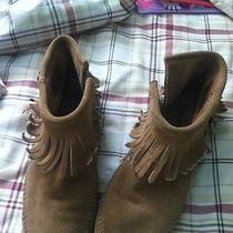 Minnetonka Moccasins Size 8.5 Photo