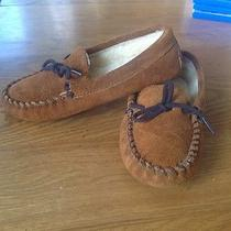 Minnetonka Moccasins Slippers - Youth 2 Photo