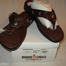 Minnetonka Silver Thorne Thong Brown Size 7 Ladies Nwt Shoes Sandals Photo