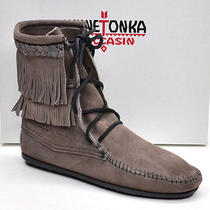Minnetonka Tramper 621t Ladies 5 M New in Box - Gray Suede Fringe Ankle Boots Photo
