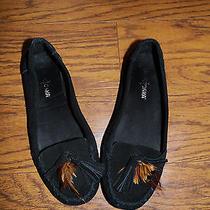 Minnetonka Women's Size 6.5 Slippers Photo
