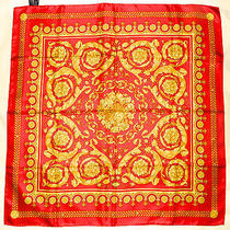 Mint Classic Atelier Versace Rococo Baroque Paisley Red Yellow Gold Silk Scarf Photo