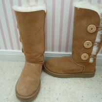 Mint Condition Ugg Chestnut Bailey Button Triplet Size 7 230 Photo