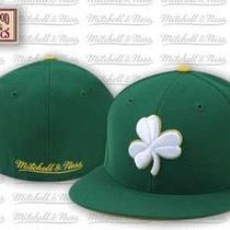 Mitchell & Ness Hwc Alternate Boston Celtics Fitted Cap 7 3/8 Photo