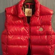 Moncler Lady Red Vest Photo