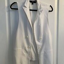 Mossimo Soft White Vest. Versatile and Works for Any Season. Photo