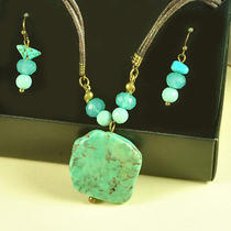 N218 Avon Blue Turquoise Necklace & Bead Earrings Set New With Original Box Photo