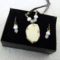 N383 Avon White Turquoise Necklace & Bead Earrings Set New With Original Box Photo