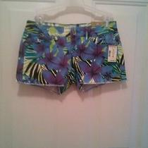 New Aeropostale Floral Short Photo