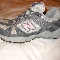 New Balance 410 Running Shoes 7 1/2 Womens Gray/pink Make an Offer Photo