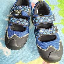 New Balance Boys Blue Water Shoes  Size 4  Not Worn Much Photo