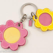 New Coach Leather Daisy Flower Bright Picture Frame Key Chain Purse Fob 93125 Photo