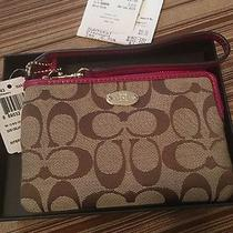 New Coach Signature Corner Zip Wristlet Khaki/cranberry Gift Box Photo