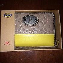 New Fossil Leather Wristlet With Gift Box Photo