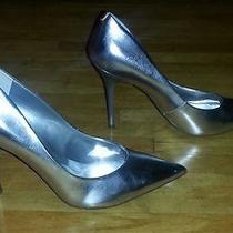New Guess Metallic Silver Pumps Photo