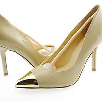 New Guess Myrick Women's Pump Stiletto Shoe Patent Leather Natural Size 7 Photo