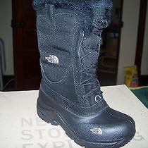New in Box Northface Girl's Size 1 Boots Photo