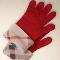 New M Burberry Kids Unisex Knit Red Gloves Nova Check Cuff Cashmere//merino Wool Photo
